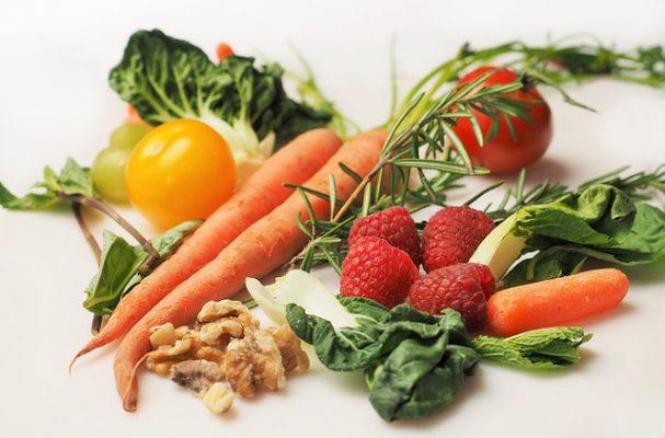9 thực phẩm giúp bạn duy trì sức khỏe răng miệng